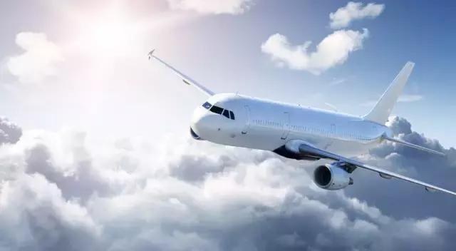 飞机起飞前处于一种平衡的状态