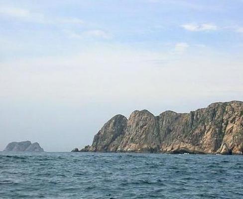 七洲列岛是海南岛东北角文昌市翁田,龙马正东海面上的几个小岛,文昌