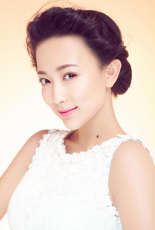 戴春荣的女儿郝洛钒_郝洛钒图片