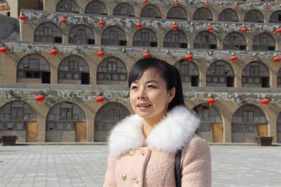 2010年参加中央电视台《艺苑风景线》湖北神农架录制; 2010年北京台