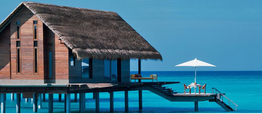 瑞提拉岛是马尔代夫最大的岛屿之一,度假村拥有客房130间,全部都以