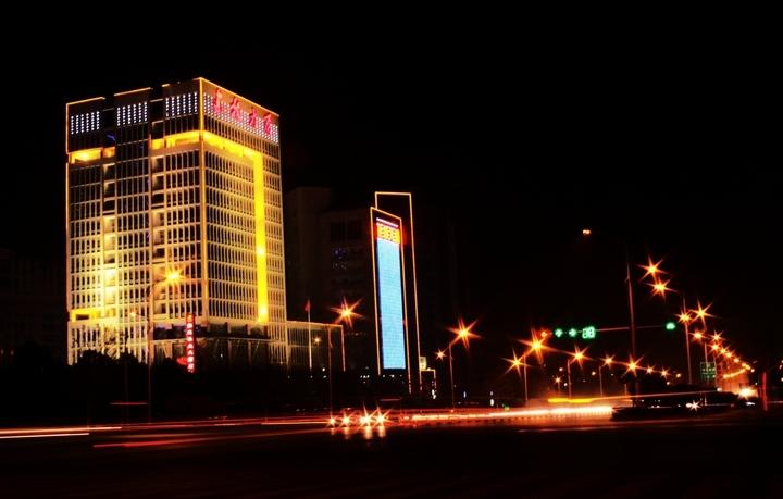 新城区夜景 河南省平顶山市新城区 高清图片