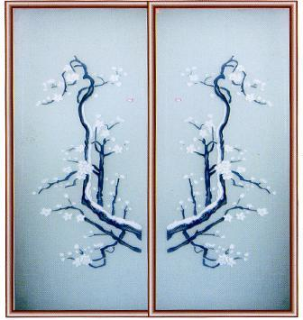 在立体玻璃墙后装上射灯能让立体玻璃本身的花纹呈现特有的立体感和流