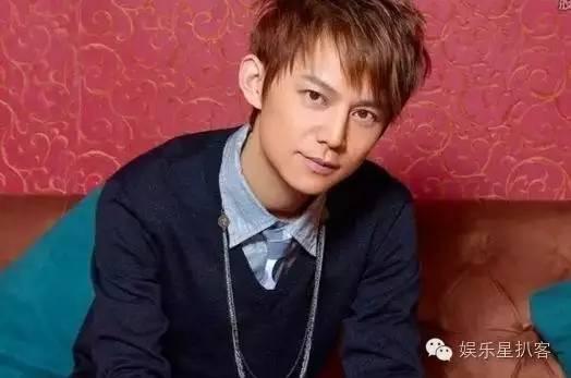 何炅在上海演话剧遭女粉丝厮打,被殴打原因真相令人震惊