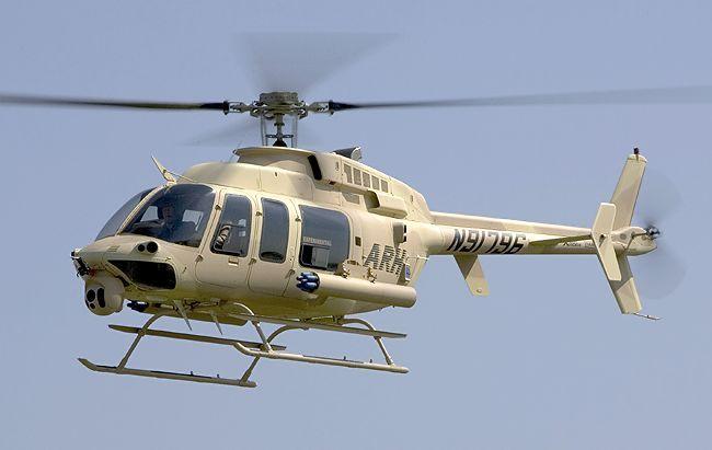 从满足美国陆军采购装备和作战需求方面看,Bell407直升机是一种较为成熟的平台。贝尔直升机公司强调,Bell407直升机不仅具有低成本、历经考验的机体,而且具备四个方面的独特优势,即优异的飞机、系统综合能力、高速制造能力及世界范围的客户支援。然而,贝尔直升机公司所面临的形势不容乐观。 美国陆军航空兵在认真总结了伊拉克战争的经验教训后得出结论,即在支援地面部队的作战行动中,小型武装直升机往往占有显著优势。为此,<美国陆军现代化白皮书>中直接提到,ARH最可能的方案是MH-6小鸟直升机,同时直